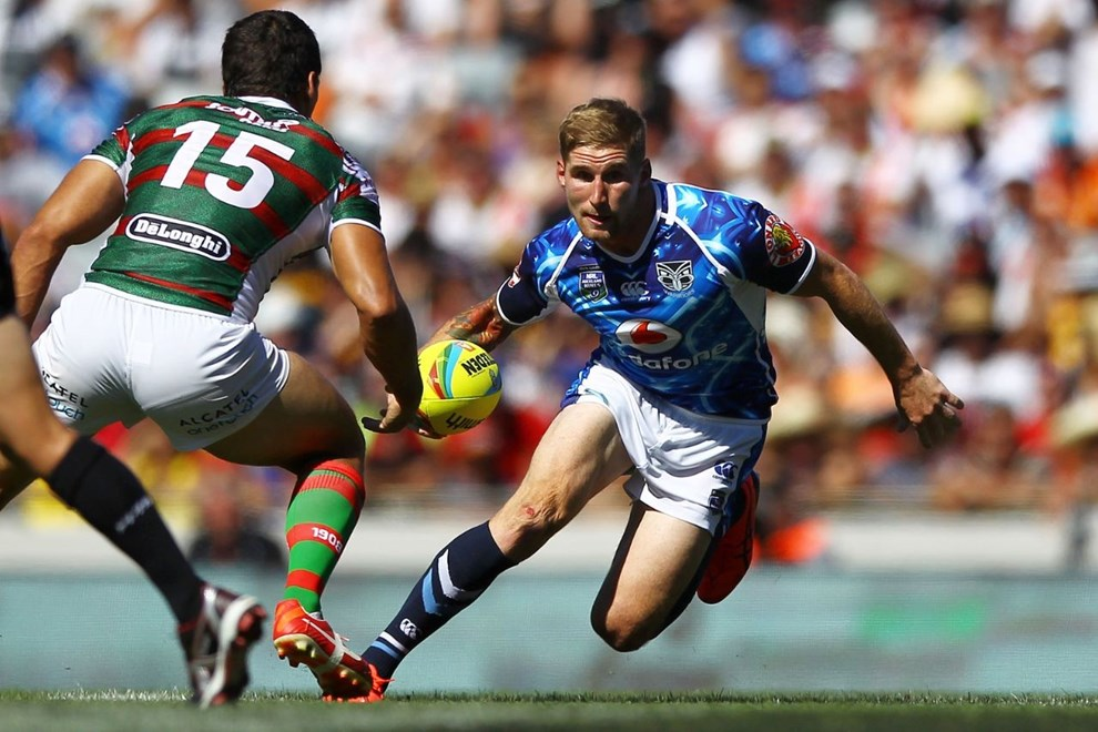 Sam Tomkins in action against the Rabbitohs