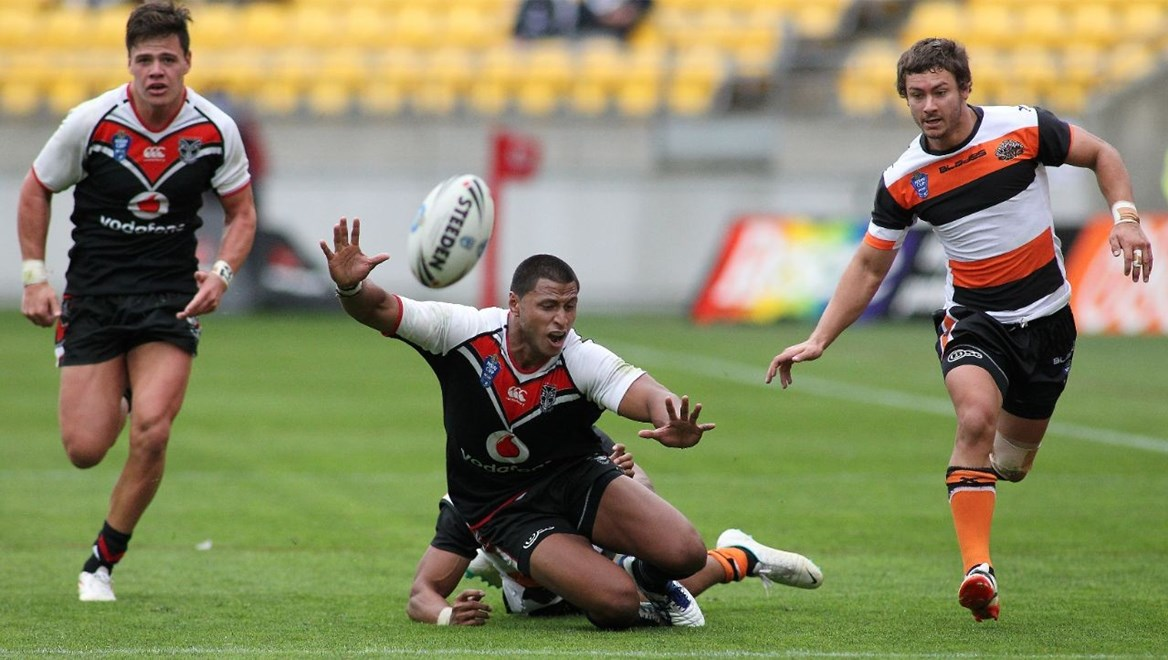 Jarred Wilson (left) and Dominique Peyroux (centre) are both named to return for the Vodafone Warriors in the New South Wales Cup this week. Image | www.photosport.co.nz