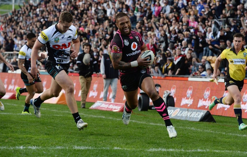 Try No 128 for Vodafone Warriors winger Manu Vatuvei and a special place in history. Image | www.photosport.co.nz