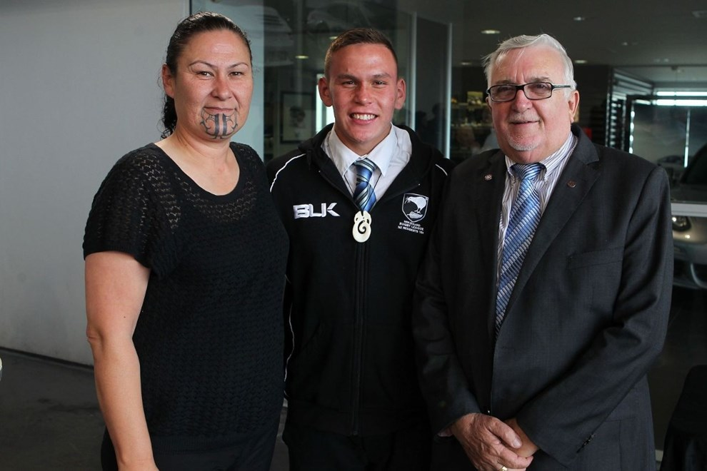 Luke Tipene with his mother Terry Wilson and Sir Peter Leitch at the 2013 New Zealand Rugby League Awards. Image | www.photosport.co.nz