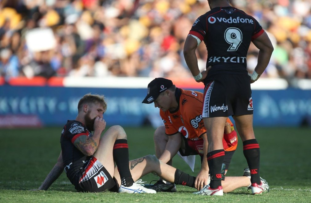 Vodafone Warriors fullback Sam Tomkins being treated by physiotherapist Hamish Craighead during Saturday's NRL encounter with the Parramatta Eels at Mount Smart Stadium. Image | www.photosport.co.nz