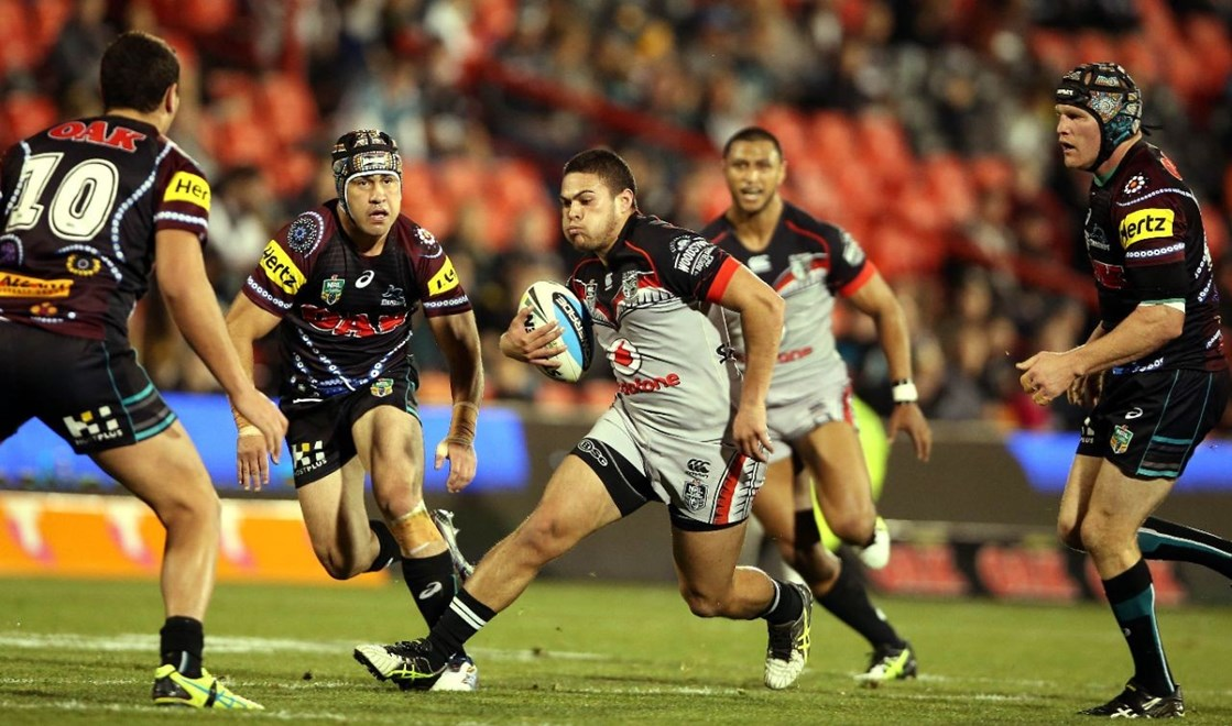 Tuimoala Lolohea steps inside Jamie Soward