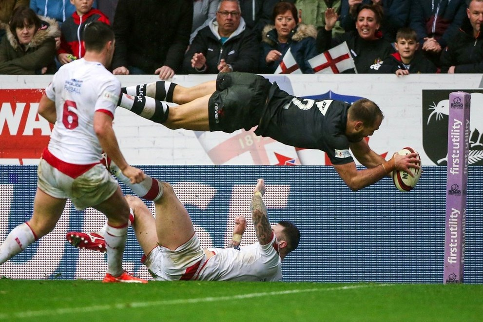 14/11/2015 - Rugby League - England v New Zealand, Third Test - DW Stadium, Wigan, England - New Zealand's Jason Nightingale scores a try. Copyright photo: Alex Whitehead / www.photosport.nz