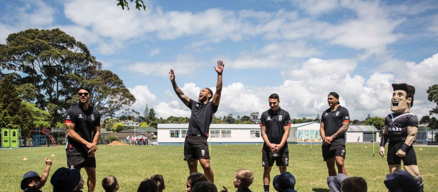Owairoa School visit with Bendon Man