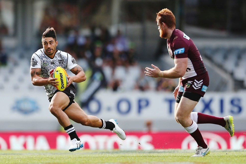 Shaun Johnson of the Warriors makes a run against the Sea Eagles during Day 1 of the NRL Auckland Nines Rugby League Tournament, Eden Park, Auckland, New Zealand. Saturday 6 February 2016. Photo: Anthony Au-Yeung / www.photosport.nz