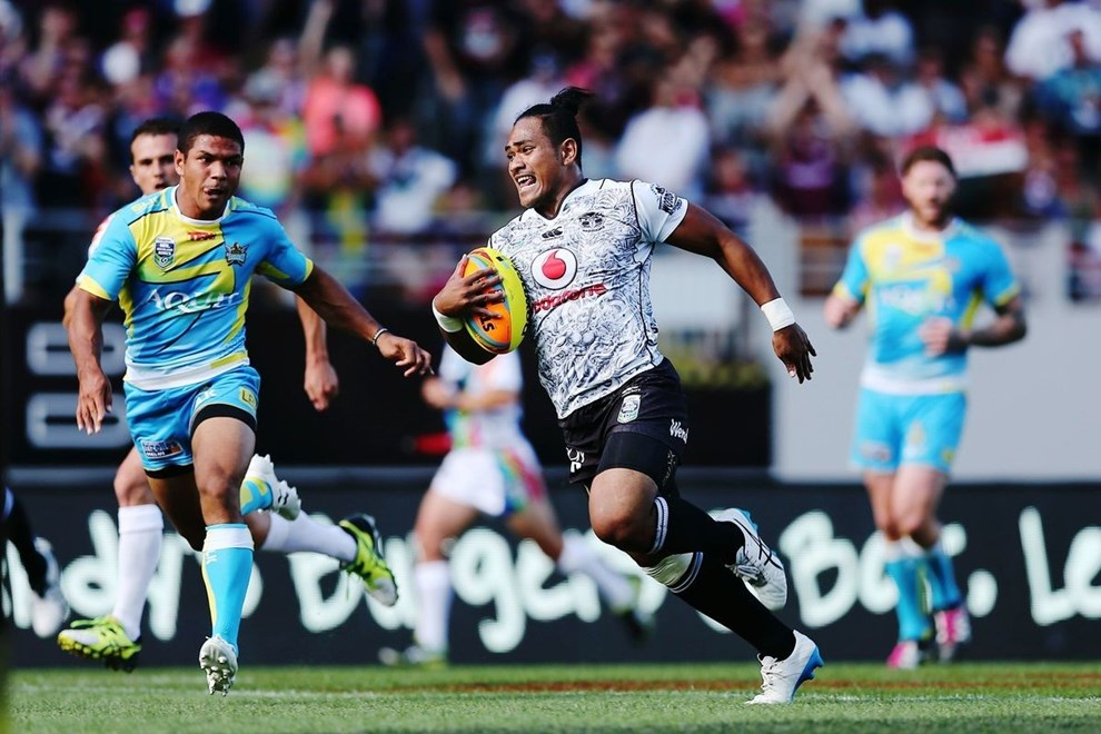 Solomone Kata of the Warriors runs in a try against the Titans in the semi final during Day 2 of the NRL Auckland Nines Rugby League Tournament, Eden Park, Auckland, New Zealand. Sunday 7 February 2016. Photo: Anthony Au-Yeung / www.photosport.nz