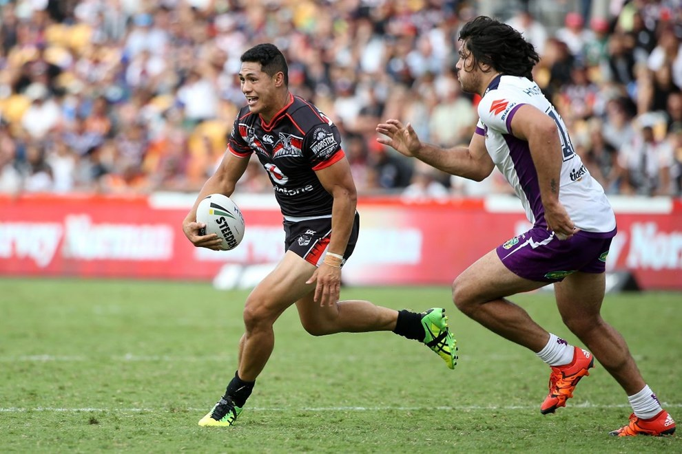 For the third time in as many games, fullback Roger Tuivasa-Sheck has clocked up 200-metres plus for the Vodafone Warriors this season. Image | www.photosport.nz