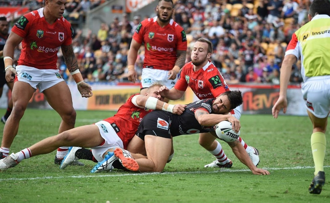 Shaun Johnson scores an early try. Vodafone Warriors v St George Dragons, NRL Rugby League. Mt Smart Stadium, Auckland, New Zealand. Sunday 1 May 2016. Copyright Photo: Andrew Cornaga / www.Photosport.nz