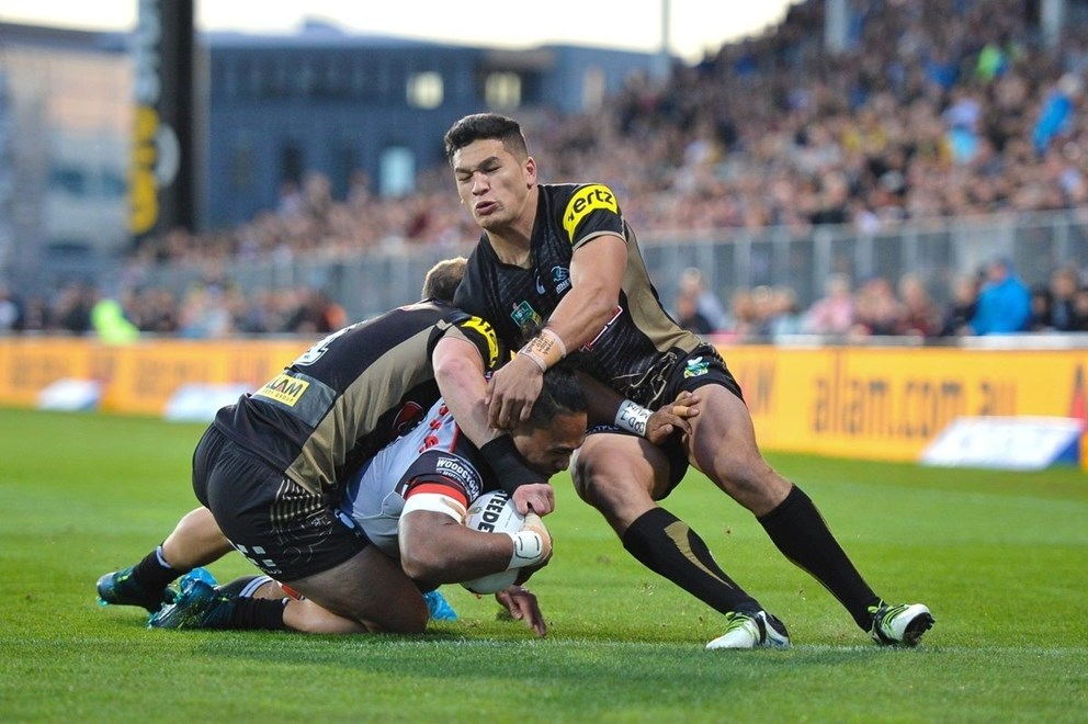 Solomone Kata of the Warriors scores a try during the NRL match, Warriors V Panthers at AMI stadium, Christchurch, New Zealand. 14th May 2016. Copyright Photo: John Davidson / www.photosport.nz