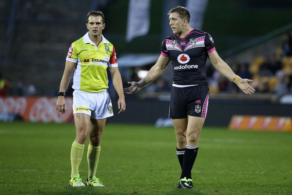 Warriors captain Ryan Hoffman questions the referee during the NRL match Warriors v Panthers at Mt Smart Stadium on Saturday 30 July 2016. Auckland, New Zealand. © Copyright Photo: Fiona Goodall / www.photosport.nz