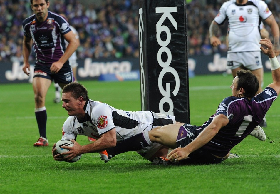 Jacob Lillyman scores for the Warriors. Melbourne Storm v Vodafone Warriors. NRL Rugby League