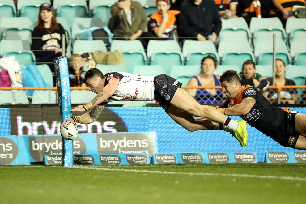 Charmze Nicoll-Klokstad dives over to score Tigers v Warriors NRL rugby league match at Leichardt Oval, Leichardt Australia. Sunday 3 September 2017. Photo: Paul Seiser / www.photosport.nz